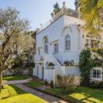 Christian De Sica mette in vendita la sua villa a Capri. Le foto sono mozzafiato