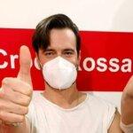 Vaccino Anti-Covid per Giulio Berruti: bufera in rete sull'attore, ma in realtà è un odontoiatra