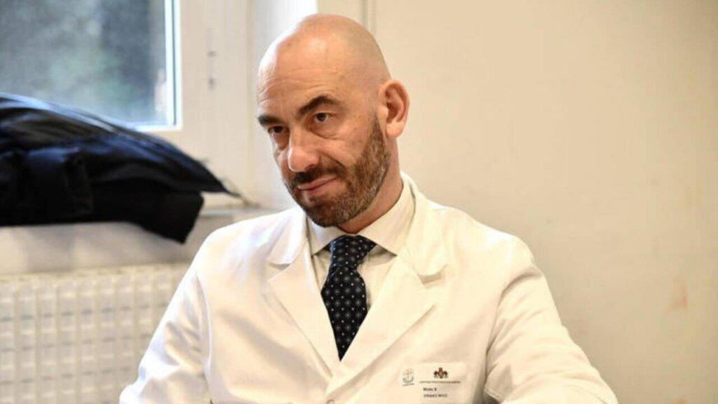 Matteo Bassetti, direttore della Clinica malattie infettive dell'ospedale San Martino di Genova in un' intervista