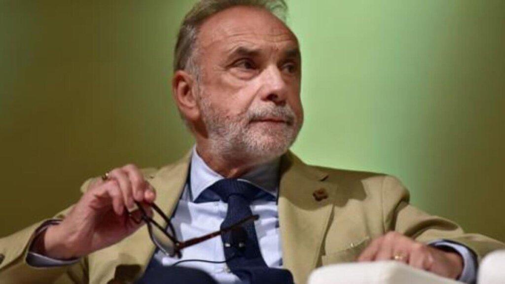 Il professor Giuseppe Remuzzi in un'intervista