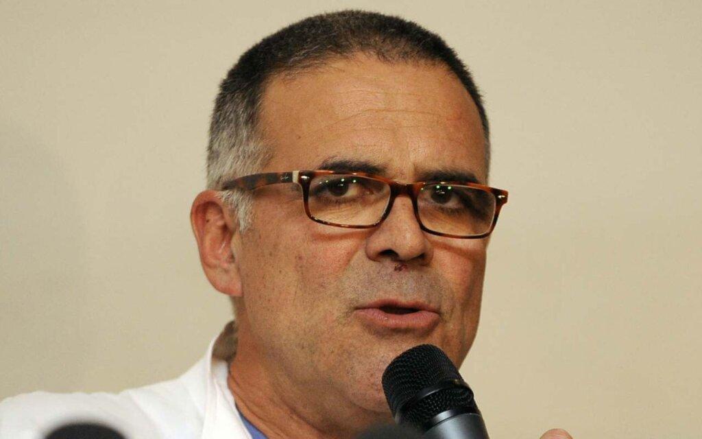 Alberto Zangrillo, primario dell'ospedale San Raffaele di Milano al microfono